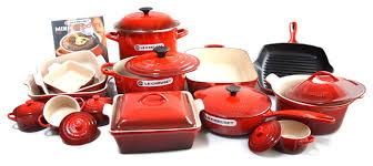 le creuset pots prices le creuset signature enameled cast iron 24 cookware set