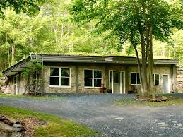 100 House Earth Rustic Sheltered 2BR Open Living 150 Acres Of