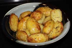cuisiner des pommes de terre nouvelles recette pommes de terre nouvelles au thym toutes les recettes