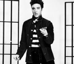 10 Essential Elvis Presley Songs