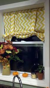 Kitchen Curtain Ideas Above Sink by Best 25 Kitchen Window Treatments With Blinds Ideas On Pinterest