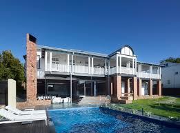 100 Shaun Lockyer Architects Restores Eclectic Queenslander With