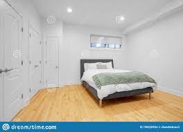 102 schlafzimmer bett und ein wandschrank fotos kostenlose