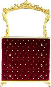 casa padrino barock schlafzimmer kommode mit glitzersteinen und elegantem wandspiegel boardeauxrot gold schlafzimmer möbel im barockstil