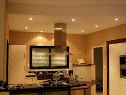 spots cuisine spots led cuisine audessus des meubles hauts placer des spots sur