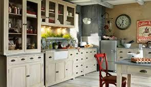comment repeindre une cuisine en bois comment repeindre une cuisine en bois meuble peint gris et blanc