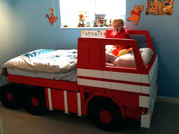Fire Engine Bedding Set Bedroom Fire Engine Toddler Bed Step 2 ...