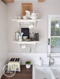 weiße landhausküche mit vintage charme haus küchen