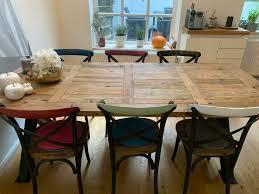stuhl esszimmer holz und metall farbige lehne westwing style