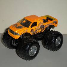 100 Bigfoot Monster Truck Toys Muscle Machines Jurassic Park TWrecks Ford F350 164