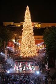 Fashion Islands Holiday Tree Lighting Newport Beach