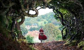 How Is Into The Woods Movie Different From Musical A Couple Things Changed Stage To Screen