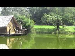 chambre d hotes en bourgogne cabanes sur l eau chambres d hôtes séminaires au vert château d
