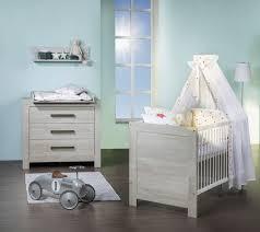 chambre bébé lit commode marvelous lit commode a langer bebe 7 chambre bébé eguizier