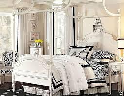 Zebra Print Bedroom Decorating Ideas by Decorating With Zebra Print