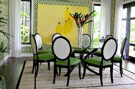 View In Gallery Imperial Trellis Wallpaper Green Brings The Walls Alive Design Intervention