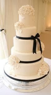 black wedding cakes superb black and white wedding cakes