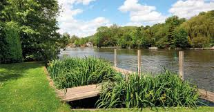 104 River Side House Side Property Near Henley For Sale