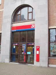 la poste bureau de poste timbrés et oblitérés ceux qui défendent leur bureau de poste