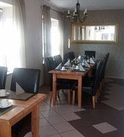 neue renovierung im cafe kleines esszimmer picture of