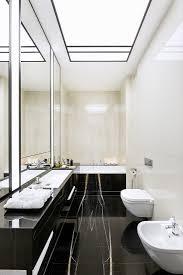 elegantes badezimmer mit schwarzem bild kaufen