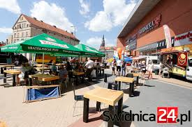 Food Trucki Pod Galerią Świdnicką Już W Ten Weekend! - Swidnica24.pl ... Atlantic City New Jersey Usa 31st July 2014 Wahlburgers Food Idn Sem Maradhat El A Truck Show Vrosunkban Minden Ami W Kodzku Telewizja Kodzka Truck Beverly Hills Art Gardens Park Food Show Blogtvankisnet The Marketing Review Episode 2 Waffle Love Az 2016 Ntea Work Inner Peace Photo Image Gallery Gabor Dudas On Twitter Drer Garden Budapest Http China European Gasoline Standard Room Car Arcie Na Kkach Czyli Po Raz Pierwszy Jeleniej Firecakes Donuts Launches In Chicago Me