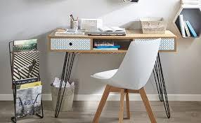 dans un bureau bureau dans pièce à vivre comment intégrer un bureau dans un salon