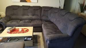 sofa in neuwertigem zustand