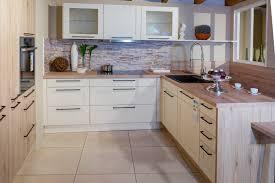 weiße landhausküche mit eiche sand haus küchen