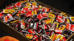 Best Halloween Candy To Give Out by See How Much Halloween Candy You Need To Buy With This Formula