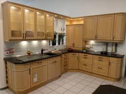 landhaus l küche mit hell massiven kasettenfronten modell 2091