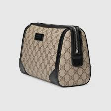 trousse de toilette gucci gg supreme toiletry gucci s cosmetic bags 406394kgdhn9769