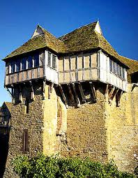 housse siege auto castle types and history of castles fortified houses