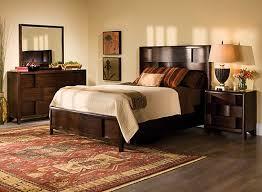 saratoga 4 pc king platform bedroom set w storage bed chestnut