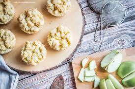 pudding streusel muffins mit äpfeln cakeandcompass