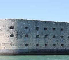 le bistro st trop vous guide pour accéder au fort boyard en bateau