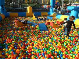 piscine a balle gonflable cmj méga piscine à balles gonflable