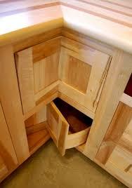 Lower Corner Kitchen Cabinet Ideas by Best 25 Corner Cabinet Kitchen Ideas On Pinterest Corner