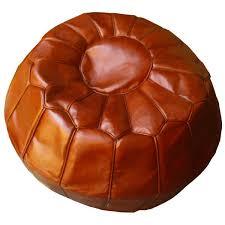 pouf marocain artisanal en cuir marron naturel cousu
