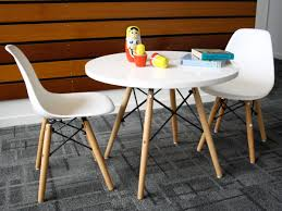 Outdoor Chairs. Minimalist Kids Round Table And Chairs: Round ...