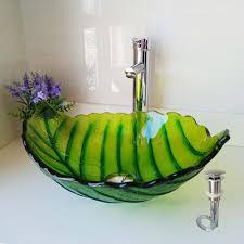 glas waschbecken modern blätter design im badezimmer