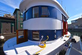100 Lake Union Houseboat For Sale Seattle For Andante Open House