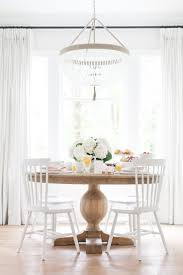 Standard Round Dining Room Table Dimensions by Best 20 Round Wood Dining Table Ideas On Pinterest Round Dining