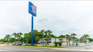 Motel 6 Pensacola West Hotel In Pensacola FL ($54+) | Motel6.com Home Matchett Towing Recovery Pensacola Tow Truck Jerr Dan Trucks Nashville Tn Rembrance For Driver Killed In Train Crash Quality Preowned Dodge Dakota At Eddie Mcer Automotive Quality Car Stock Photos Uniforms Ud Bobs Auto Repair Types