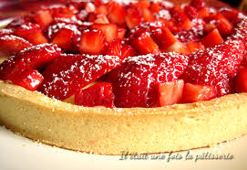 dessert aux fraises tarte aux fraises traditionnelle avec crème pâtissière il