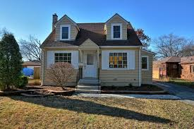100 Millard House Ii 22130 Ave RICHTON PARK IL 60471 3 Beds2 Baths
