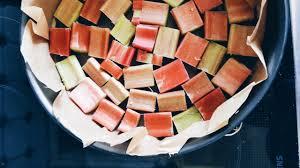 omas rhabarberkuchen einfaches und leckeres rezept nicht nur zu ostern