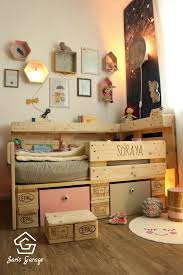 Romantic Toddler Bed With Pallets
