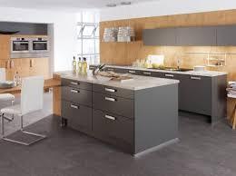 cuisines grises modèle deco cuisine gris anthracite boulanger cuisine cuisines
