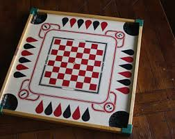 Vintage Double Sided Carrom Board In Excellent Condition